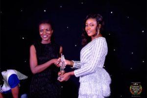 Araba Sey wins the Flora Community Service Award