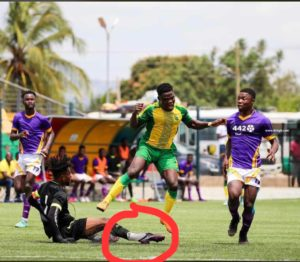 VIDEO: Tema Youth goalkeeper suffers horrific leg break in DOL super cup match against Gold Stars